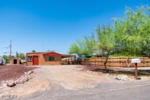 2472 W ROUNDUP Street, Apache Junction, AZ 85120