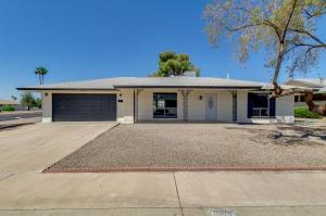 10824 W ROUNDELAY Circle, Sun City, AZ 85351