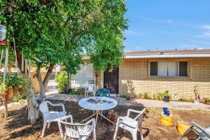 6429 E UNIVERSITY Drive, 2, Mesa, AZ 85205