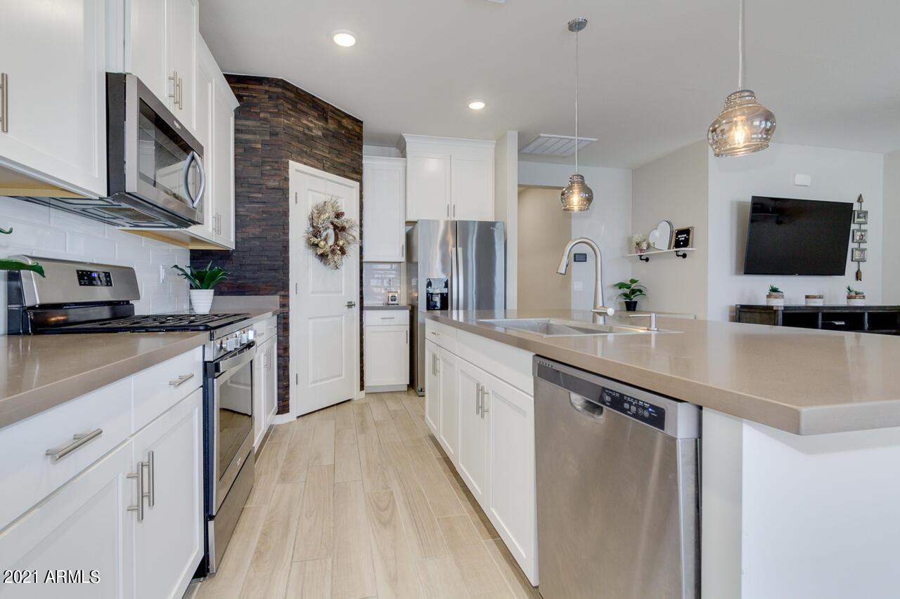 4068 CONEFLOWER Lane, Queen Creek, Arizona 85142, 3 Bedrooms Bedrooms, ,2 BathroomsBathrooms,Residential,For Sale,CONEFLOWER,6234880