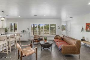 8041 E CAMBRIDGE Avenue, Scottsdale, AZ 85257