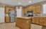 This kitchen truly can accommodate lots of people who want to gather in the kitchen!