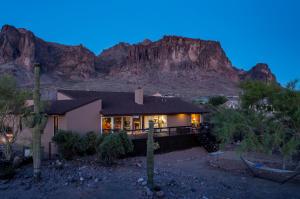 5947 E SINGLETREE Street, Apache Junction, AZ 85119