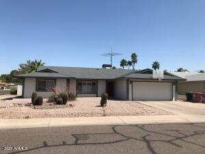 8230 E MONTEBELLO Avenue, Scottsdale, AZ 85250