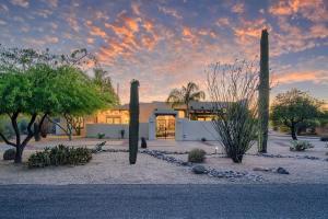 28432 N 57TH Street, Cave Creek, AZ 85331