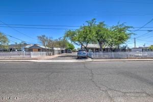 1801 N 25TH Place, Phoenix, AZ 85008