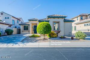 2720 S HOLGUIN Way, Chandler, AZ 85286