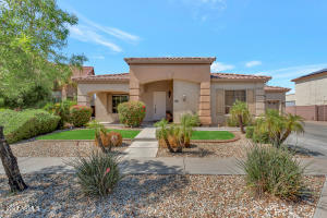 2412 W Fetlock Trail, Phoenix, AZ 85085