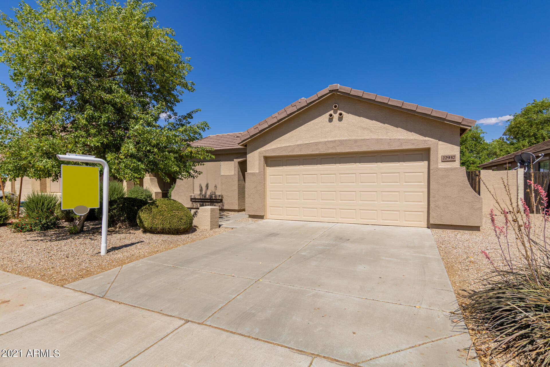 22937 215TH Street, Queen Creek, Arizona 85142, 3 Bedrooms Bedrooms, ,2 BathroomsBathrooms,Residential,For Sale,215TH,6237529