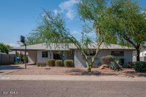 2216 W PINCHOT Avenue, Phoenix, AZ 85015
