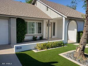 1808 W SHAWNEE Drive, Chandler, AZ 85224