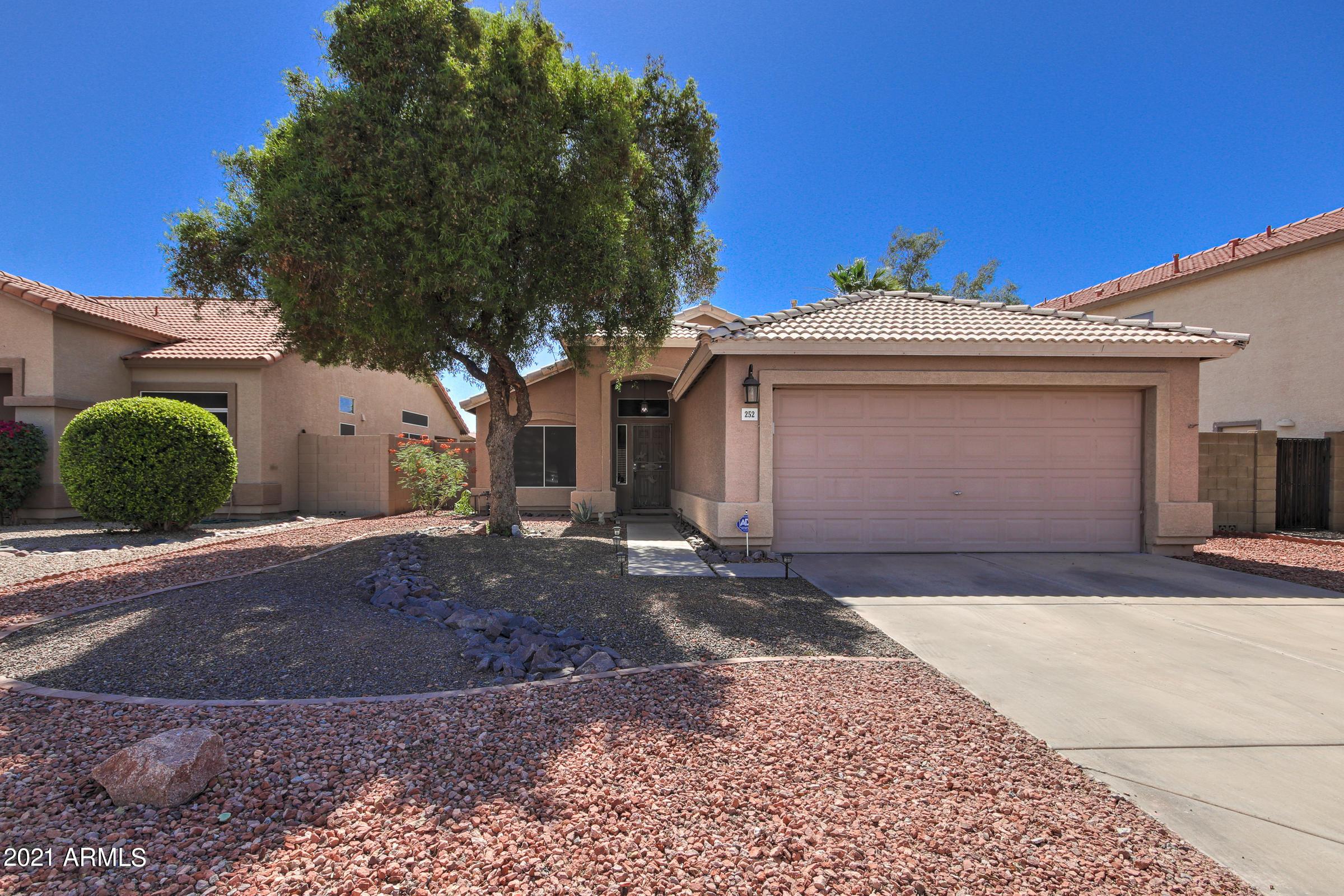 252 Rock Street, Gilbert, Arizona 85234, 3 Bedrooms Bedrooms, ,2 BathroomsBathrooms,Residential,For Sale,Rock,6241384