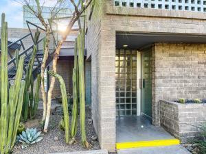 Phoenix, AZ 85004
