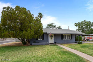 4002 N 34TH Street, Phoenix, AZ 85018