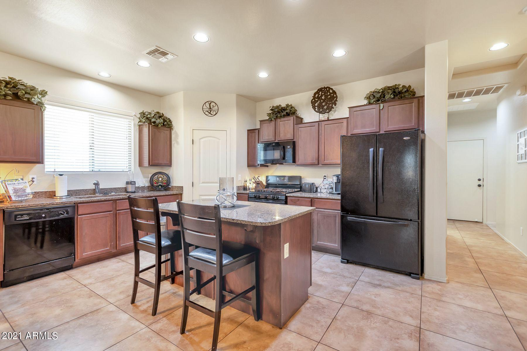 21871 215TH Street, Queen Creek, Arizona 85142, 3 Bedrooms Bedrooms, ,2 BathroomsBathrooms,Residential,For Sale,215TH,6243921