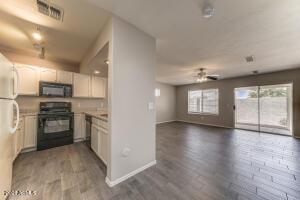 16021 N 30TH Street, 116, Phoenix, AZ 85032