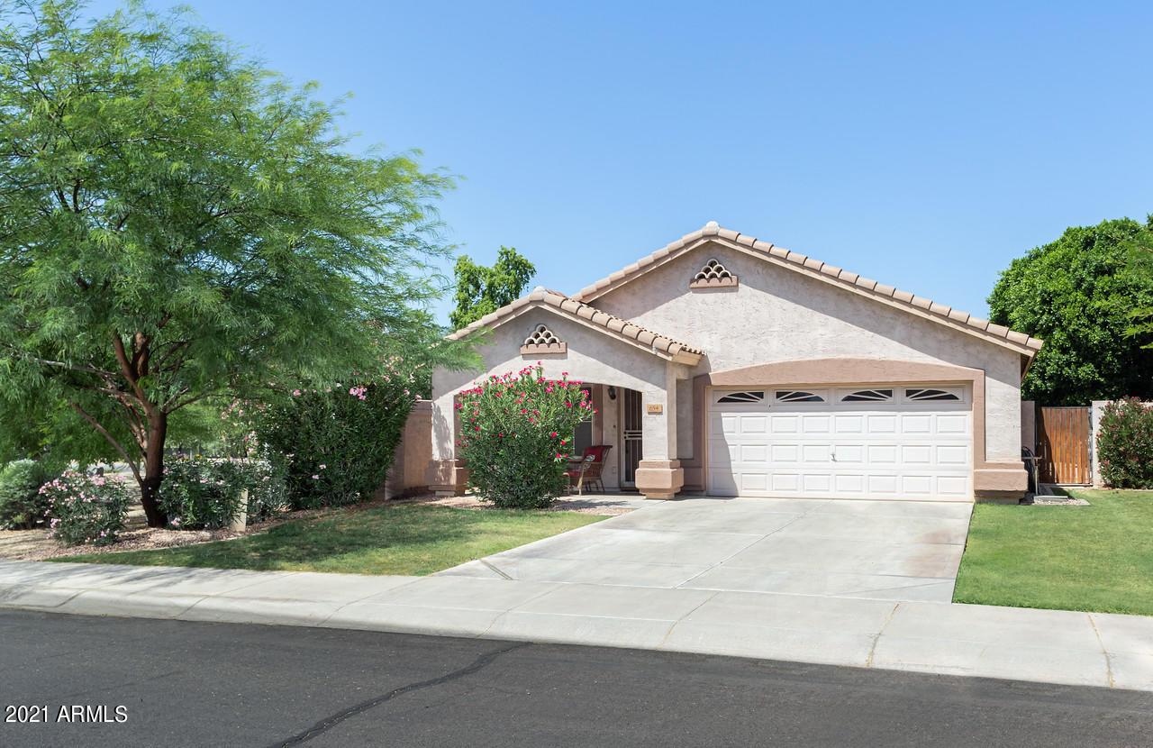 654 HORNE Street, Gilbert, Arizona 85233, 3 Bedrooms Bedrooms, ,2 BathroomsBathrooms,Residential,For Sale,HORNE,6245985