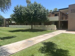 3737 E TURNEY Avenue, 136, Phoenix, AZ 85018