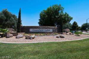 Beautiful Greenfield Lakes Community