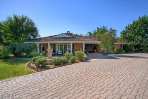 6100 N CENTRAL Avenue, Phoenix, AZ 85012