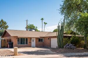 8438 E Bonnie Rose Avenue, Scottsdale, AZ 85250