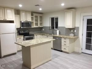 2201 W LUPINE Avenue, Phoenix, AZ 85029