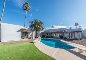 1350 N Villa Nueva Drive, Litchfield Park, AZ 85340