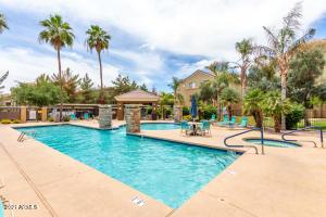 18416 N CAVE CREEK Road, 1042, Phoenix, AZ 85032