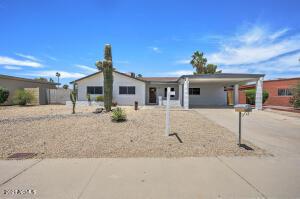 3040 E DAHLIA Drive, Phoenix, AZ 85032
