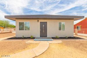 3401 W HOLLY Street, Phoenix, AZ 85009