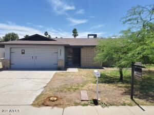 4827 W DESERT COVE Avenue, Glendale, AZ 85304