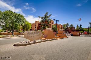 12222 N PARADISE VILLAGE Parkway, 209, Phoenix, AZ 85032