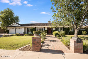 128 W Moon Valley Drive, Phoenix, AZ 85023