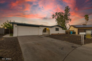 4626 W ALTADENA Avenue, Glendale, AZ 85304