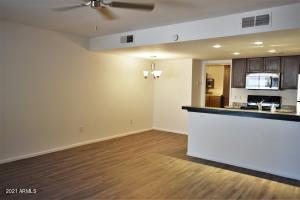 8841 N 8TH Street, 102, Phoenix, AZ 85020