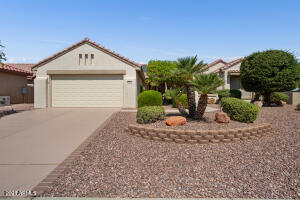 2035 sq ft 2 BR, 2 BA, Den/Office, Family Room, center island kitchen, private patio