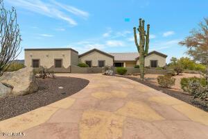 9234 E LAZYWOOD Place, Carefree, AZ 85377