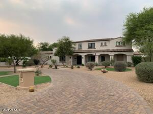 New Paver Circle Driveway and Landscaping