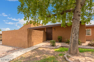 901 S HACIENDA Drive, Tempe, AZ 85281