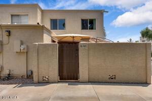 8105 E GLENROSA Avenue, Scottsdale, AZ 85251