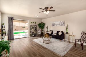 9256 W CINNABAR Avenue, Peoria, AZ 85345