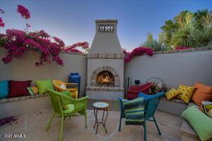 5831 E CHARTER OAK Road, Scottsdale, AZ 85254