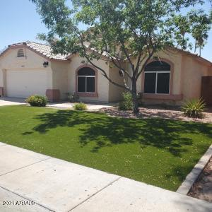Synthetic Grass. Easy Maintenance 5 Bedrooms/3.5 Baths