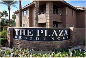 The Plaza Residences condo has; 2 Bedrooms, 2 Bathrooms, is located near the Kierland Commons, and has a master planned community with shopping. This unit has nine foot ceilings, a fireplace, an upgraded kitchen and crown molding. The bedroom floor plan has a nice, open feel with two Master Bedrooms on opposite sides of the unit. This is on the second floor. The exterior of the community is gated and has a fresh, modern look, with a resort pool and workout room. Putting Green in a Gated Community! Walk to Kierland / Scottsdale Quarters Mall, Close to Mayo Clinic**. Furniture can be conveyed with a separate bill of sale. This property sols as a 1031 exchange.