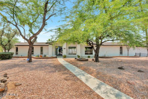 10038 N 58TH Place, Paradise Valley, AZ 85253