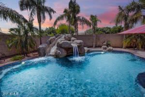 4955 E MICHELLE Drive, Scottsdale, AZ 85254
