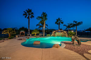 1735 W MESQUITE Street, Phoenix, AZ 85086