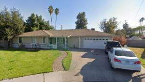 4952 E WHITTON Avenue, Phoenix, AZ 85018