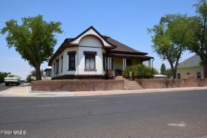 100 E Aspinwall Street, Winslow, AZ 86047