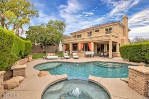 Heated pool & spa private backyard Oasis